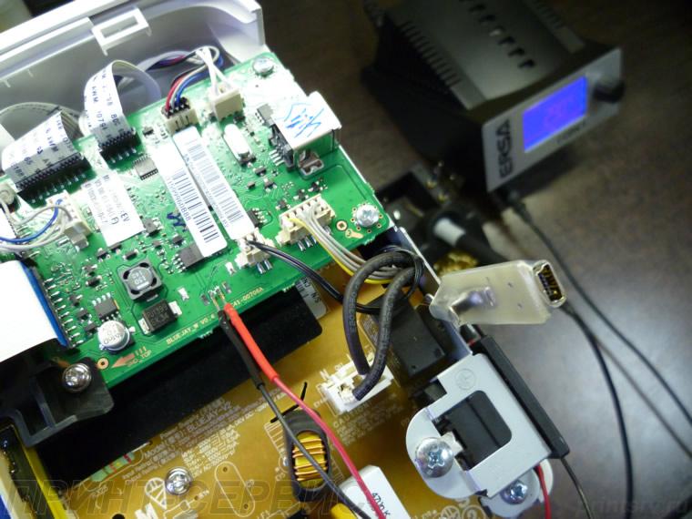 Соединяем USB debug кабель с
